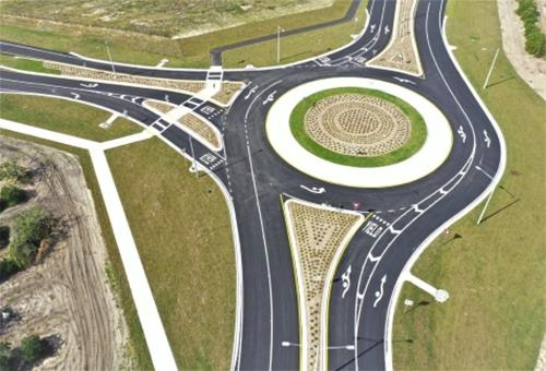 Roundabout at intersection of Sebring Parkway and CR 17A (Memorial Drive) in Sebring, FL